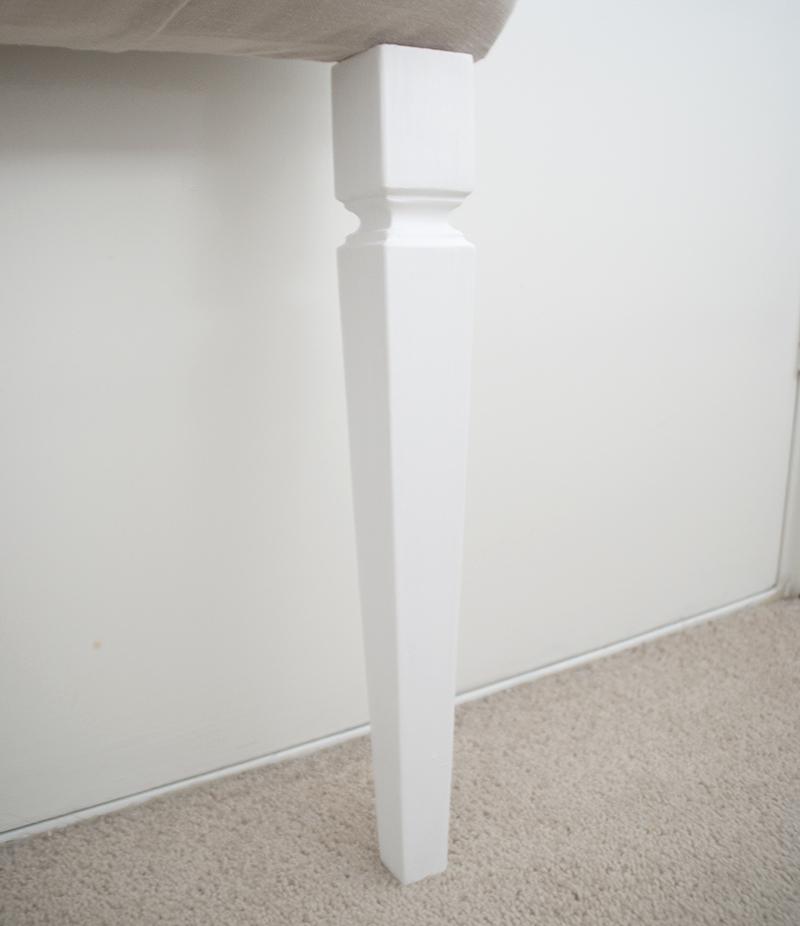 Headboard leg