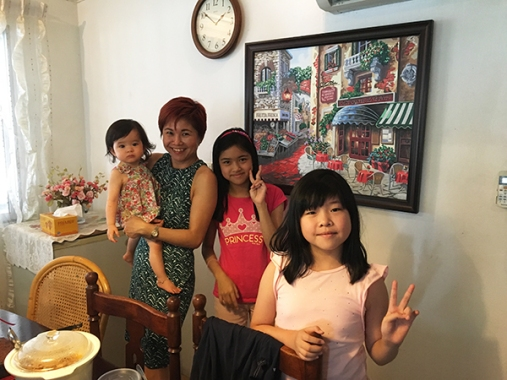 with-grandaunt-and-aunts